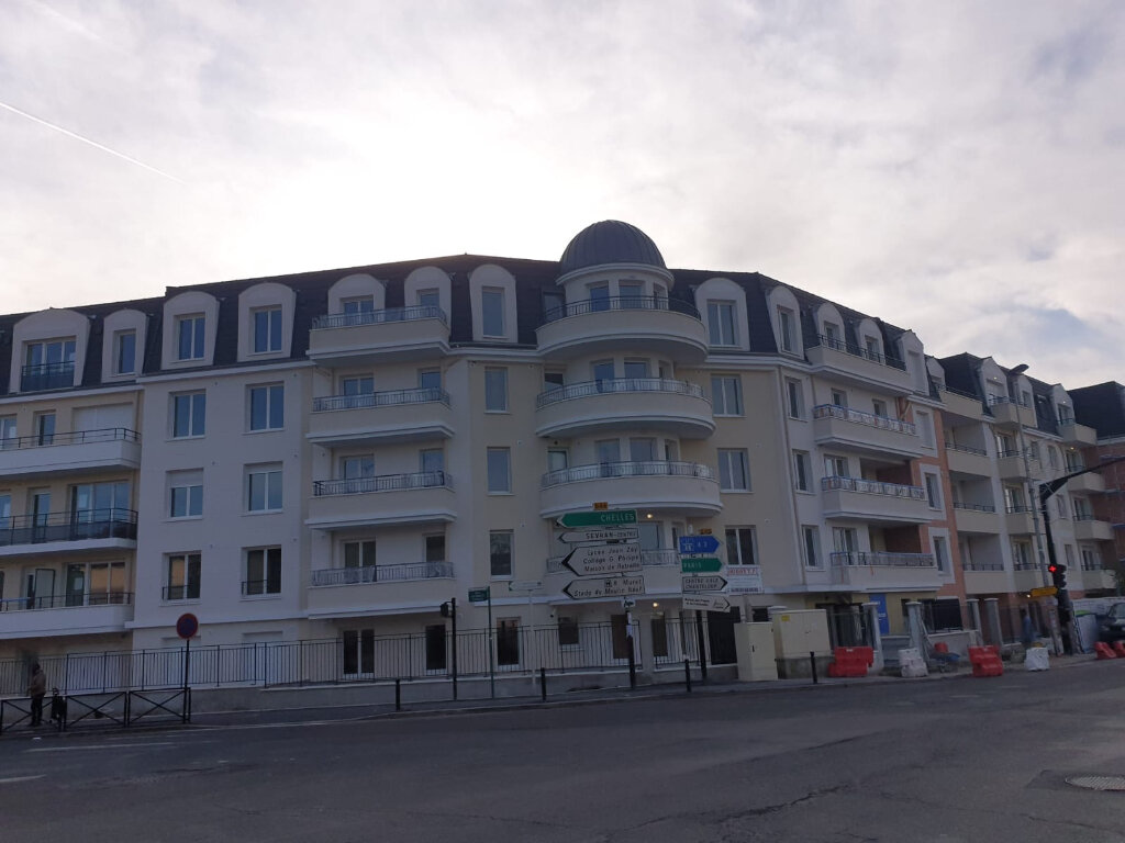 Appartement à louer 3 59m2 à Aulnay-sous-Bois vignette-1