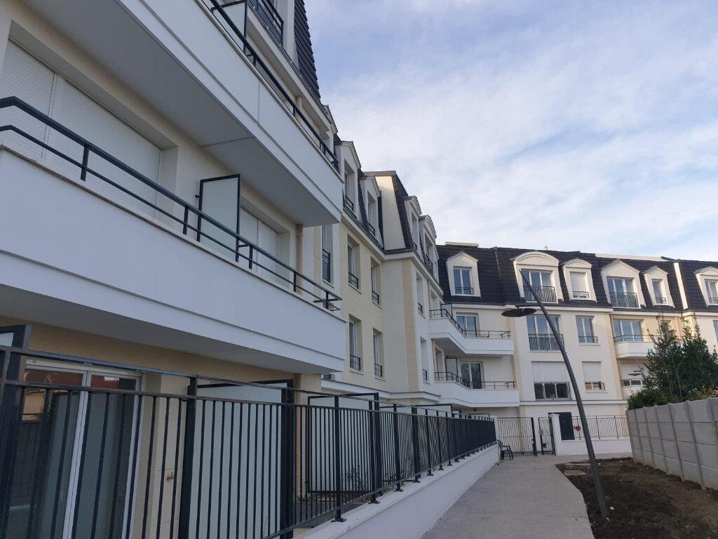 Appartement à louer 3 59m2 à Aulnay-sous-Bois vignette-2