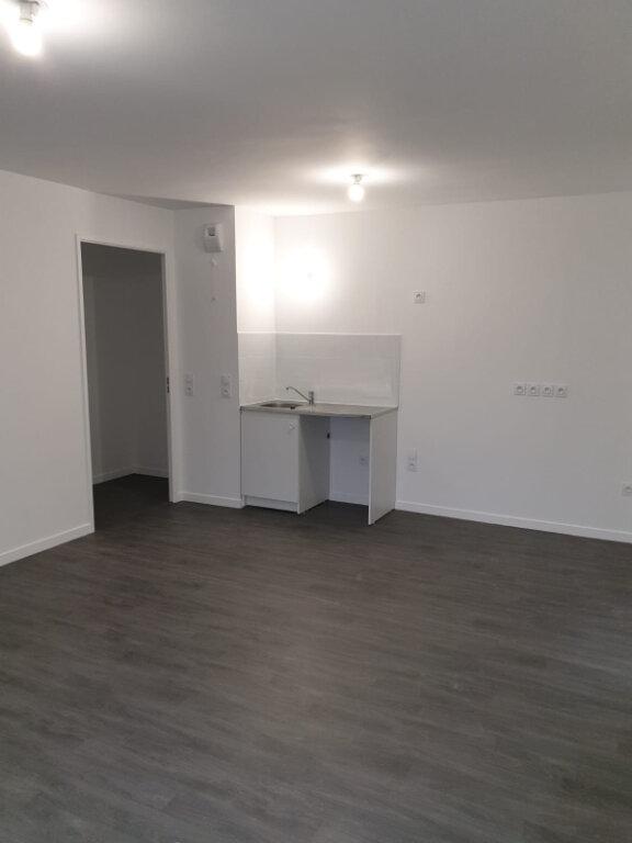 Appartement à louer 3 62m2 à Sevran vignette-2