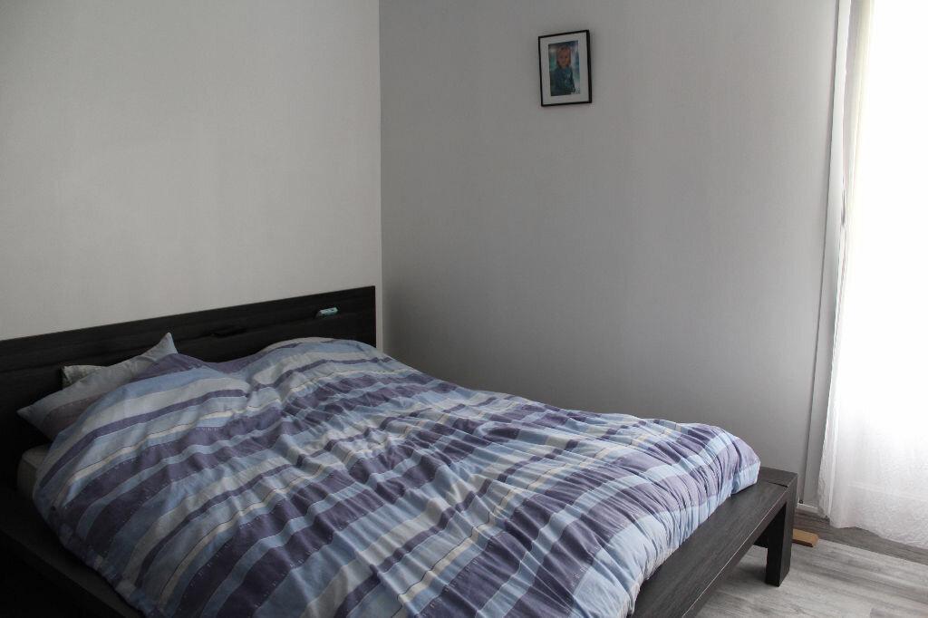 Appartement à vendre 4 78.9m2 à Saint-Quentin vignette-4