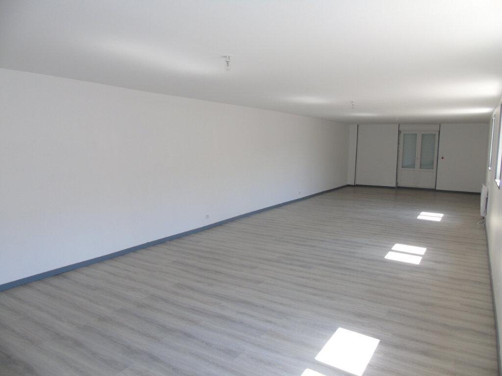 Maison à vendre 6 181.9m2 à Ribemont vignette-3