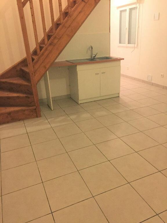 Appartement à louer 3 50m2 à Saint-Quentin vignette-1
