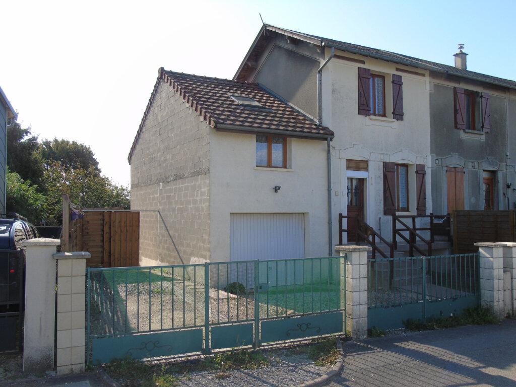 Maison à vendre 3 81m2 à Neuville-Saint-Amand vignette-1