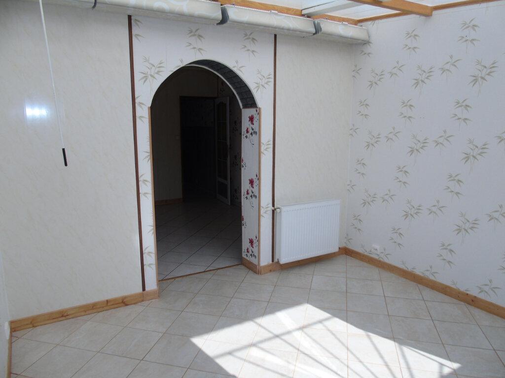 Maison à vendre 3 81m2 à Neuville-Saint-Amand vignette-3