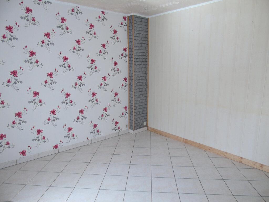 Maison à vendre 3 81m2 à Neuville-Saint-Amand vignette-4