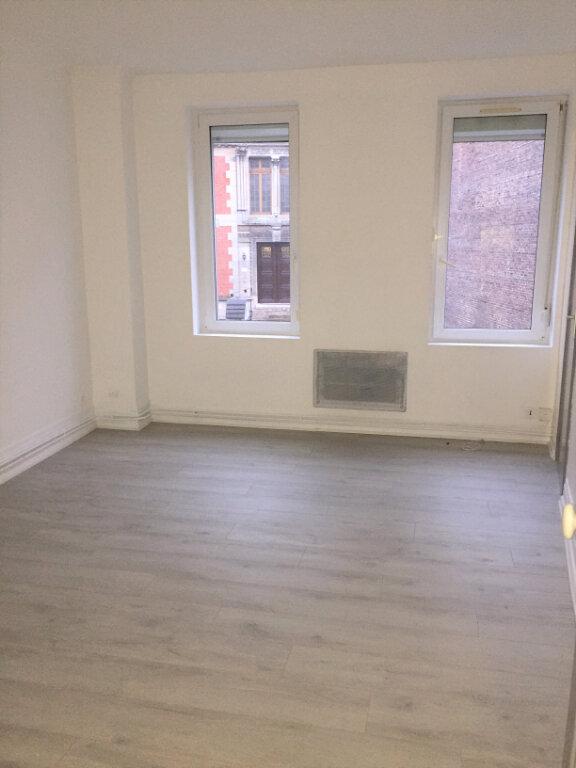 Appartement à louer 1 25m2 à Saint-Quentin vignette-2