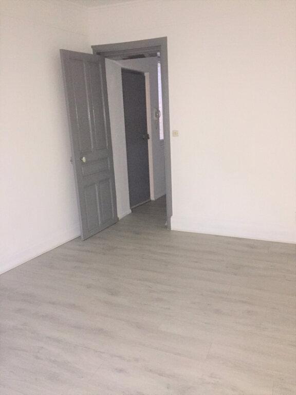 Appartement à louer 1 25m2 à Saint-Quentin vignette-4