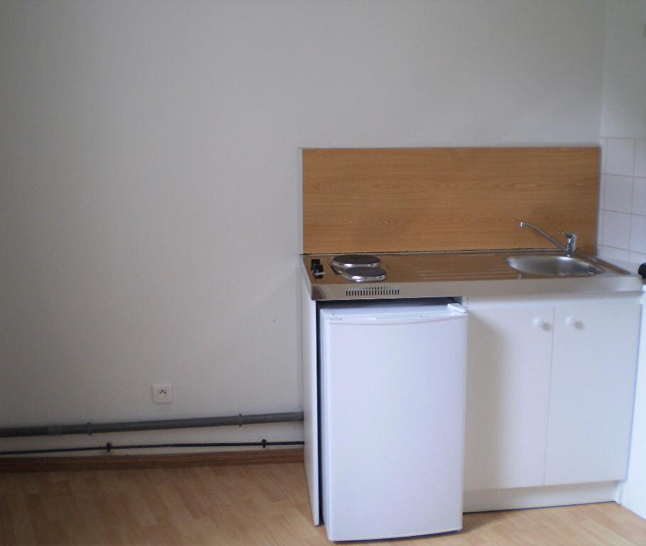 Appartement à louer 1 25m2 à Saint-Quentin vignette-5