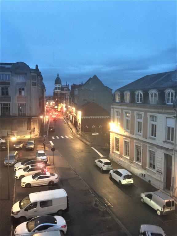 Appartement à louer 2 22m2 à Saint-Quentin vignette-1