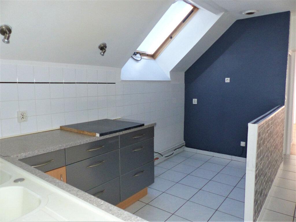 Appartement à vendre 3 72m2 à Saint-Quentin vignette-2