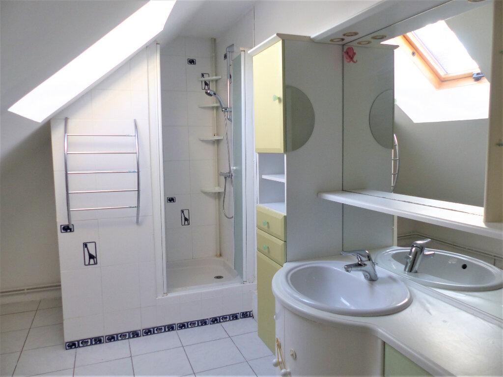 Appartement à vendre 3 72m2 à Saint-Quentin vignette-3