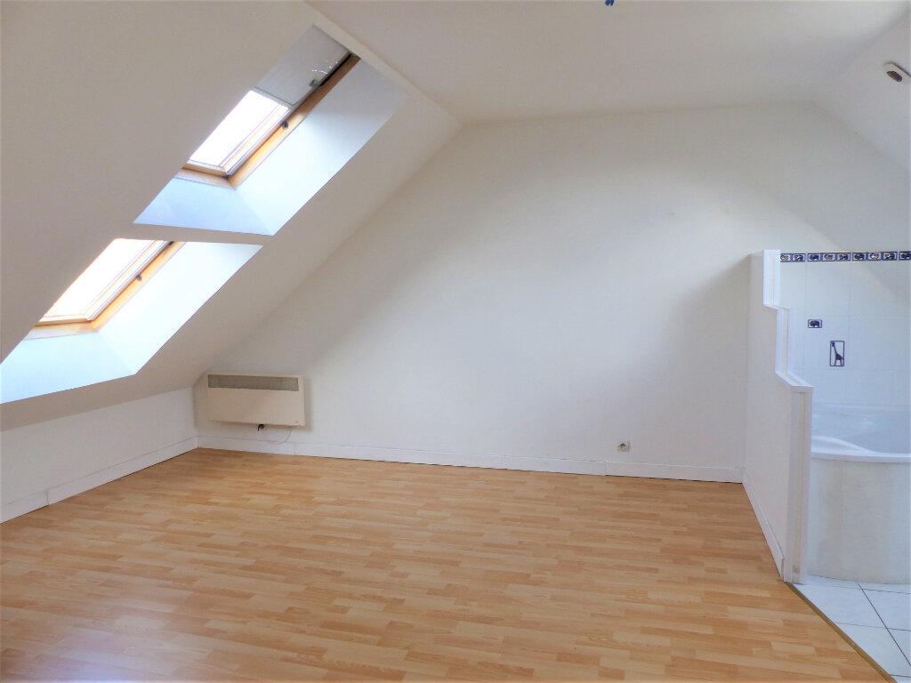 Appartement à vendre 3 72m2 à Saint-Quentin vignette-4
