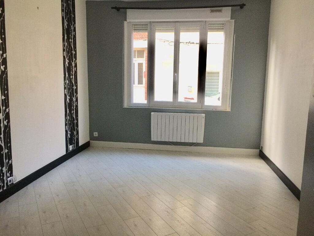 Appartement à louer 2 48m2 à Saint-Quentin vignette-4