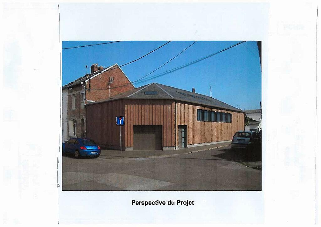 Maison à vendre 1 254m2 à Saint-Quentin vignette-1