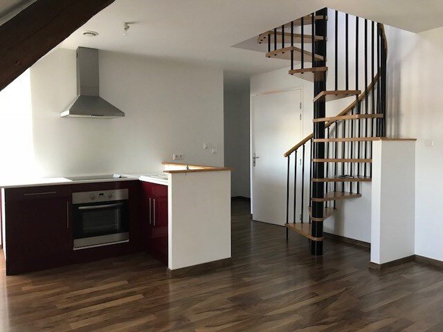Appartement à louer 3 55m2 à Saint-Quentin vignette-1