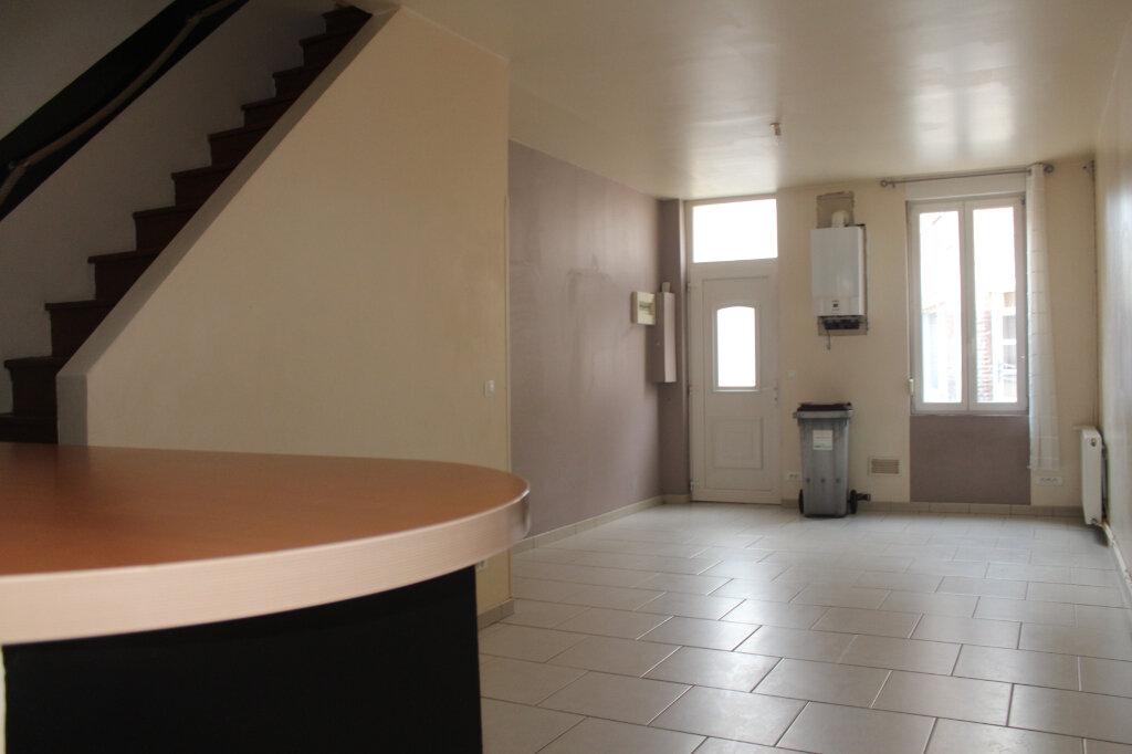 Maison à louer 3 62m2 à Saint-Quentin vignette-2