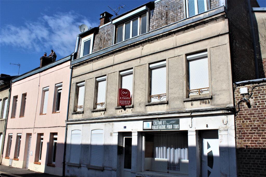 Maison à vendre 8 198m2 à Saint-Quentin vignette-1