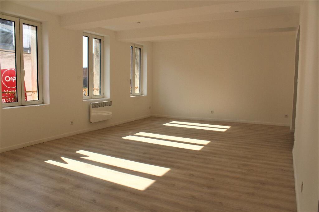 Maison à vendre 8 198m2 à Saint-Quentin vignette-3