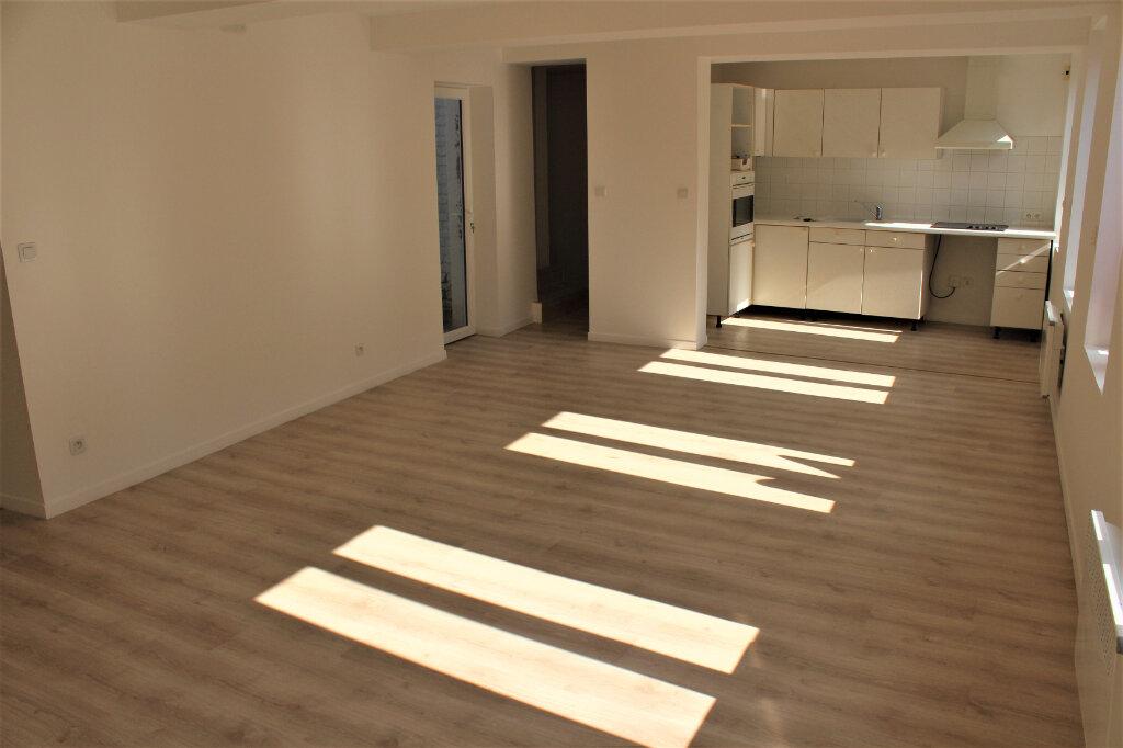 Maison à vendre 8 198m2 à Saint-Quentin vignette-6