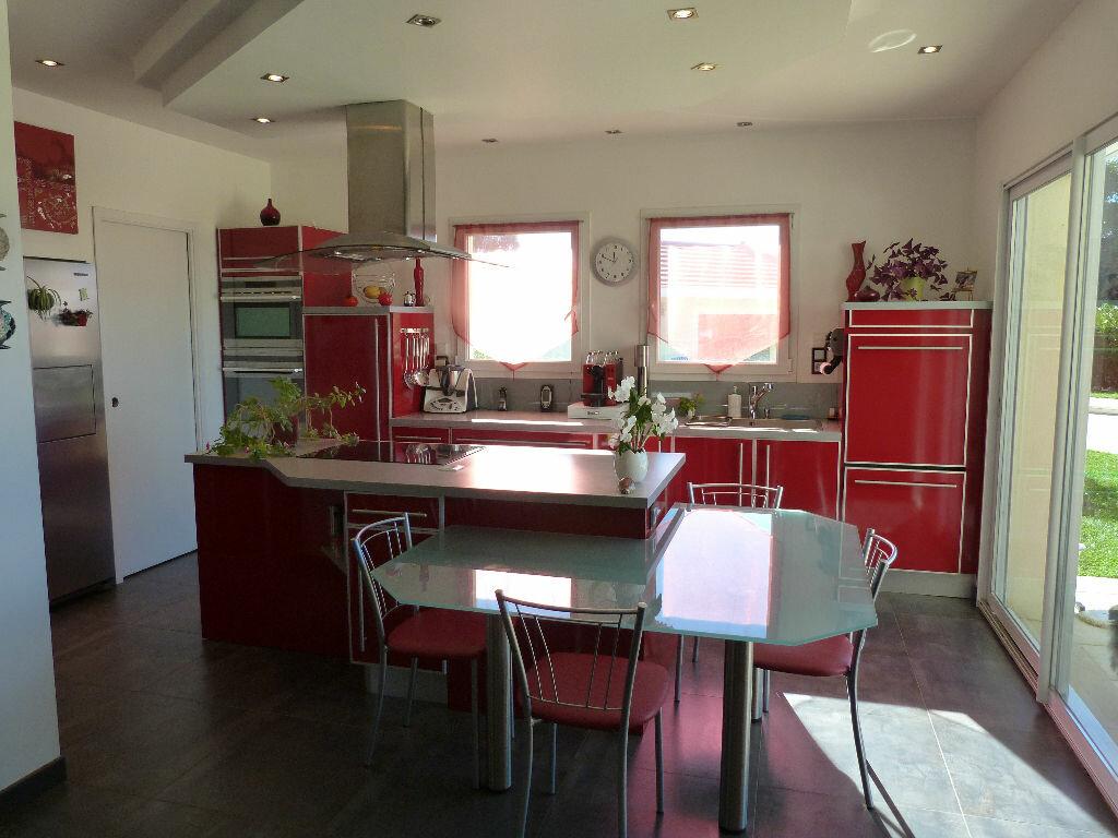 Maison à vendre 7 180m2 à Les Avenières vignette-3
