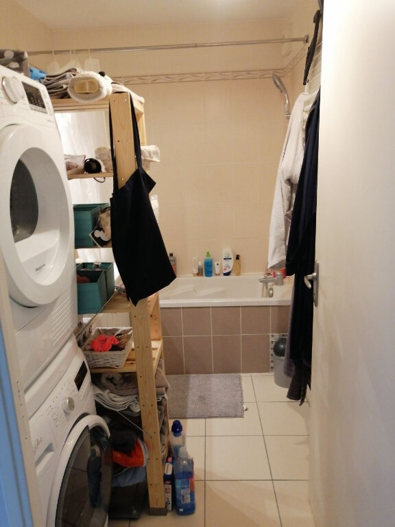 Appartement à louer 2 53m2 à Vénissieux vignette-4