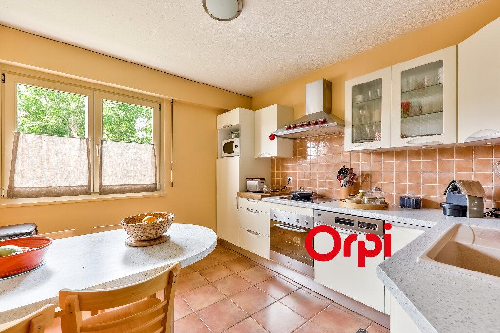Appartement à vendre 5 114.86m2 à Villeurbanne vignette-5