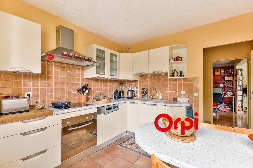 Appartement à vendre 5 114.86m2 à Villeurbanne vignette-6
