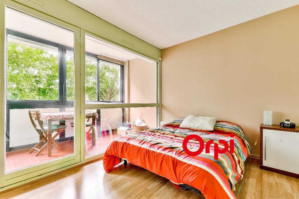 Appartement à vendre 5 114.86m2 à Villeurbanne vignette-7