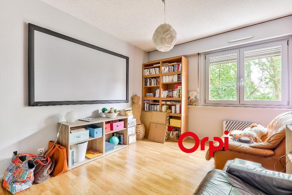Appartement à vendre 5 114.86m2 à Villeurbanne vignette-9