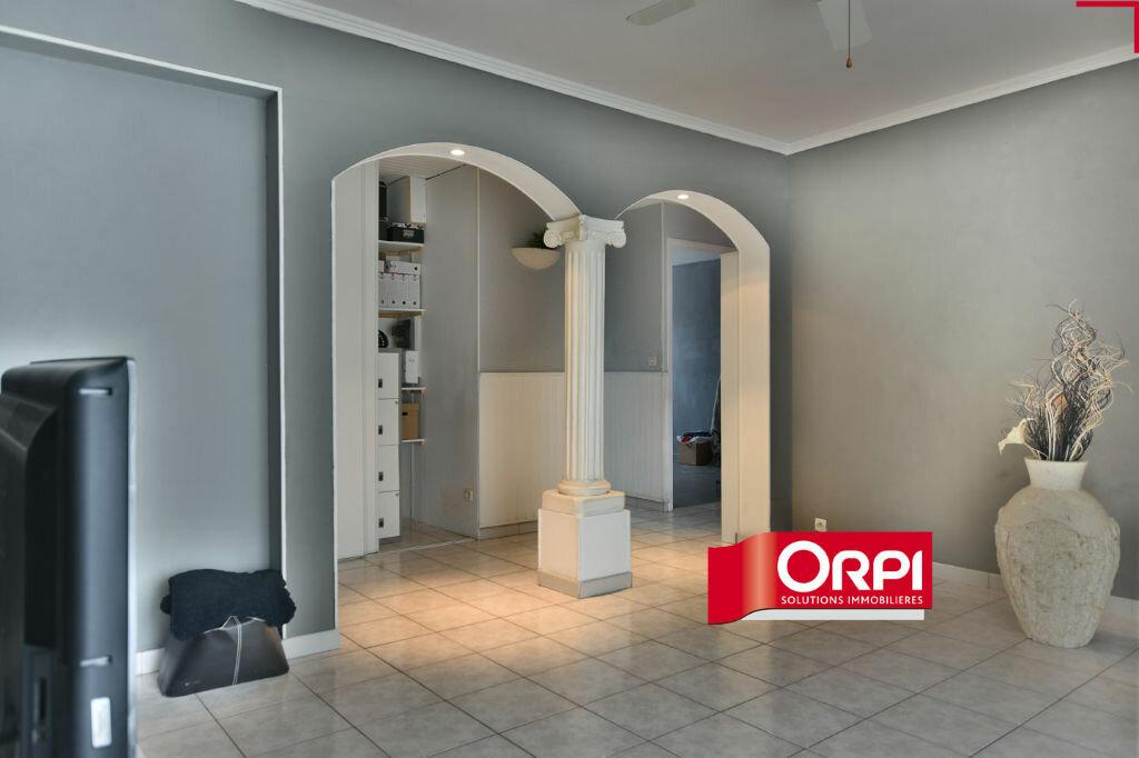 Appartement à louer 4 78.66m2 à Saint-Priest vignette-2