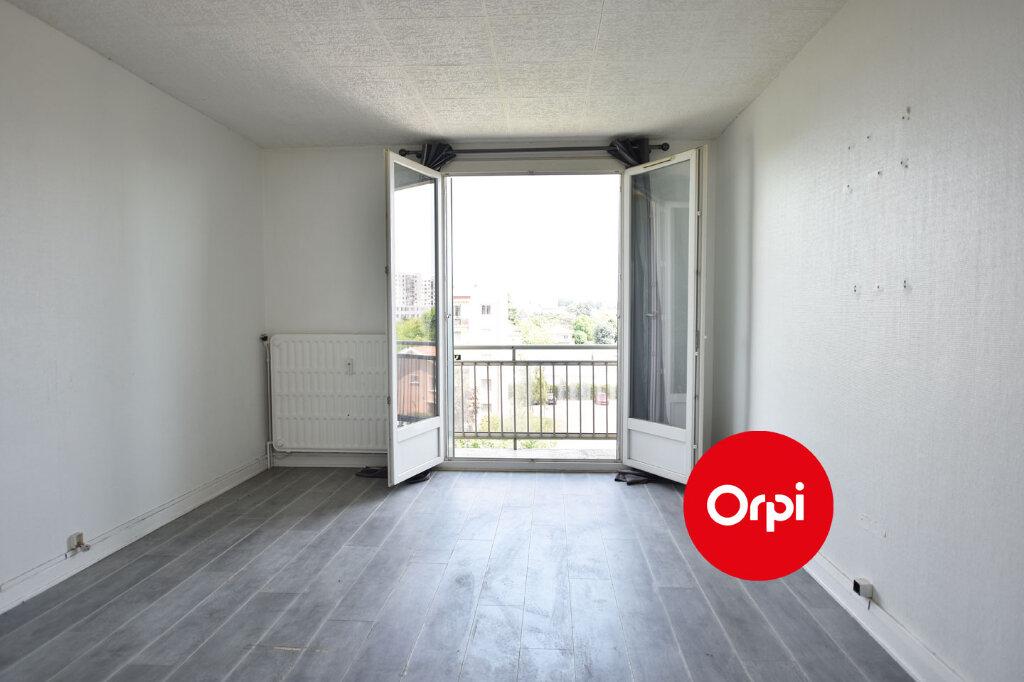 Appartement à vendre 3 57.15m2 à Saint-Priest vignette-1