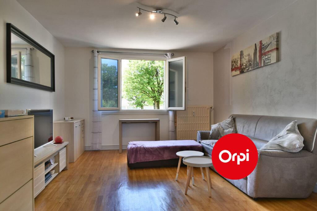 Appartement à vendre 3 57.79m2 à Saint-Priest vignette-2
