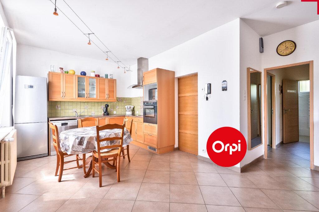 Maison à vendre 5 115m2 à Saint-Priest vignette-5