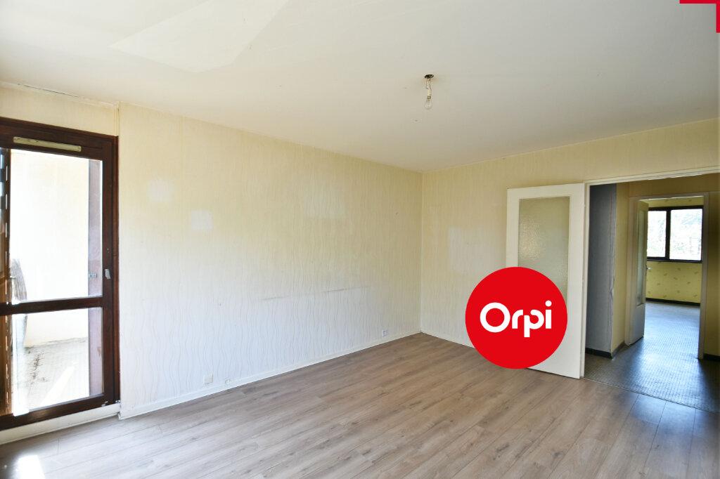 Appartement à vendre 3 69.39m2 à Saint-Priest vignette-2