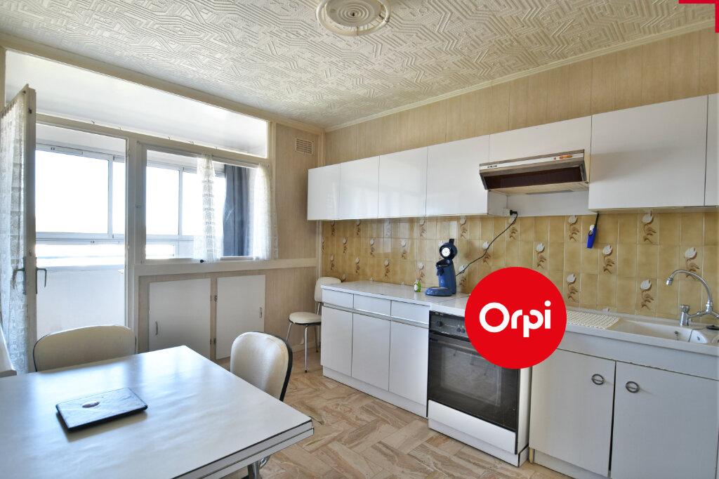 Appartement à vendre 4 73.23m2 à Saint-Priest vignette-4