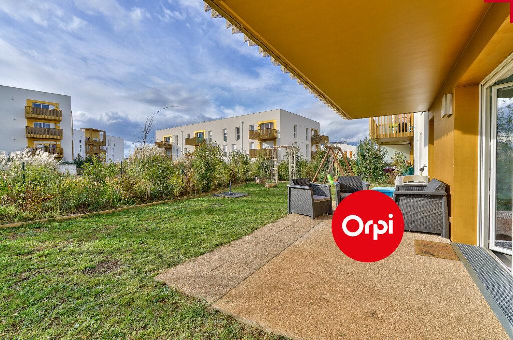 Appartement à vendre 4 77.64m2 à Saint-Priest vignette-1