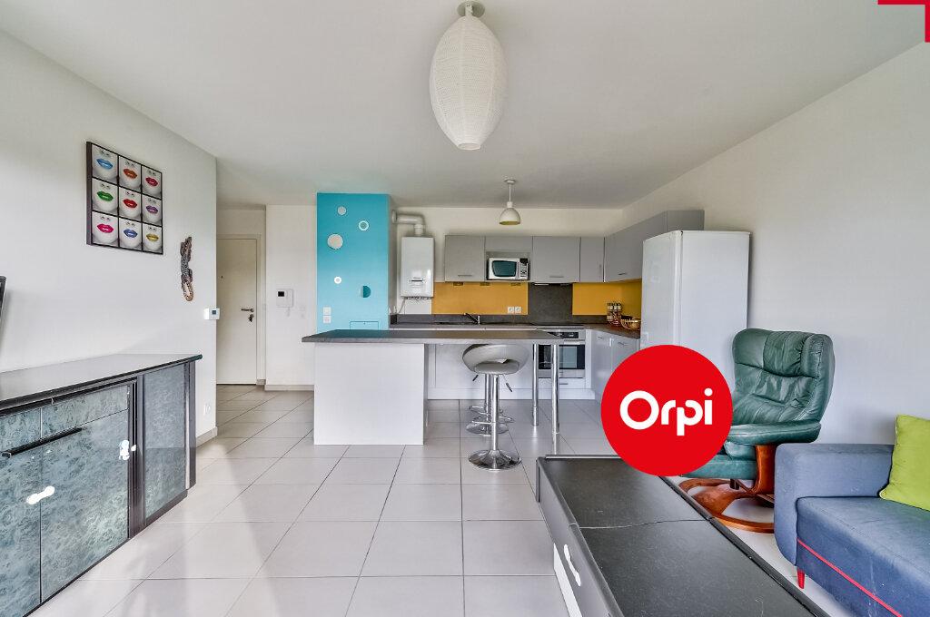 Appartement à vendre 4 77.64m2 à Saint-Priest vignette-2