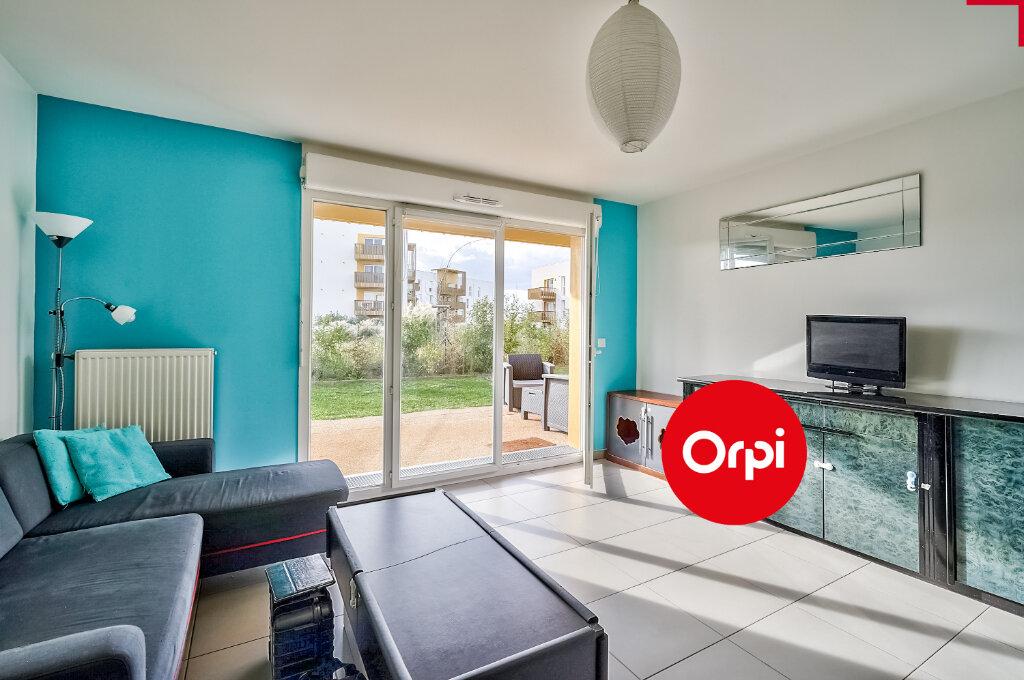 Appartement à vendre 4 77.64m2 à Saint-Priest vignette-3