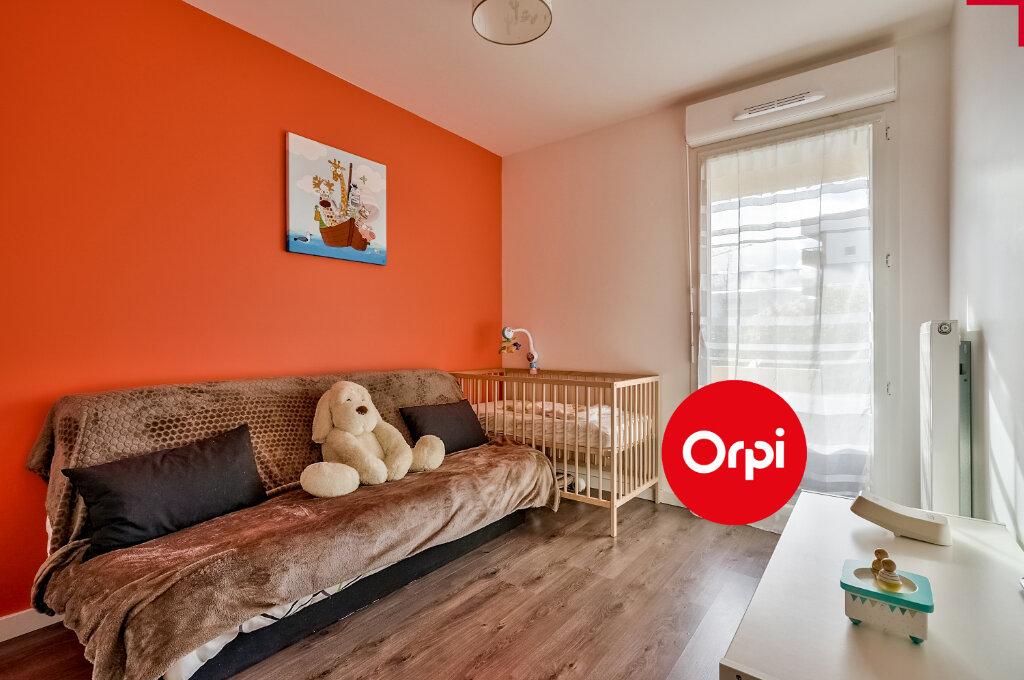 Appartement à vendre 4 77.64m2 à Saint-Priest vignette-4