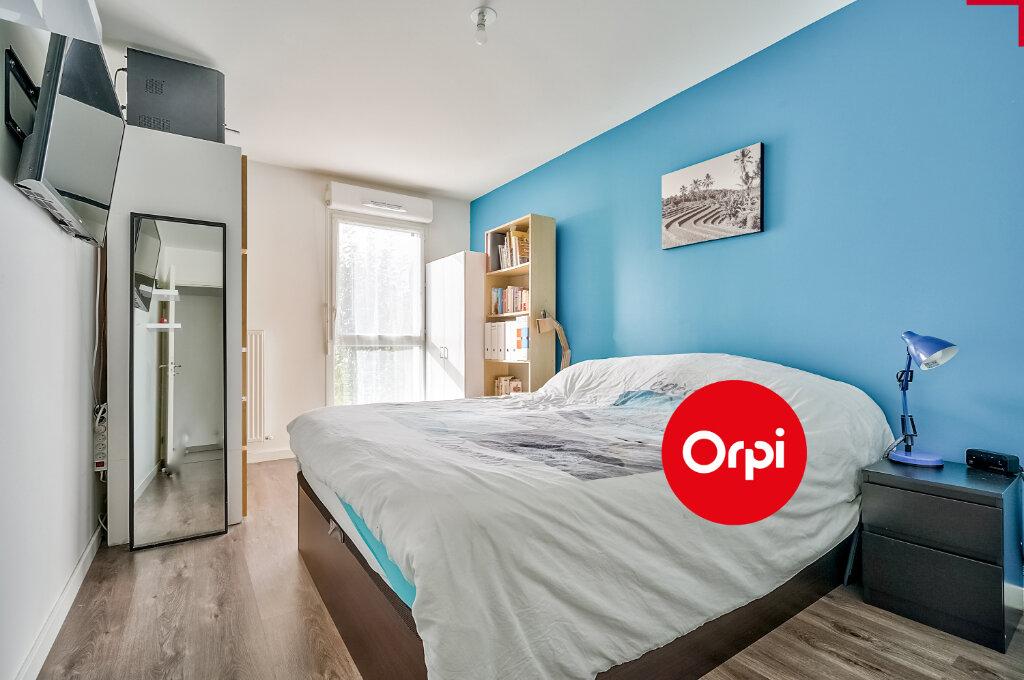 Appartement à vendre 4 77.64m2 à Saint-Priest vignette-5