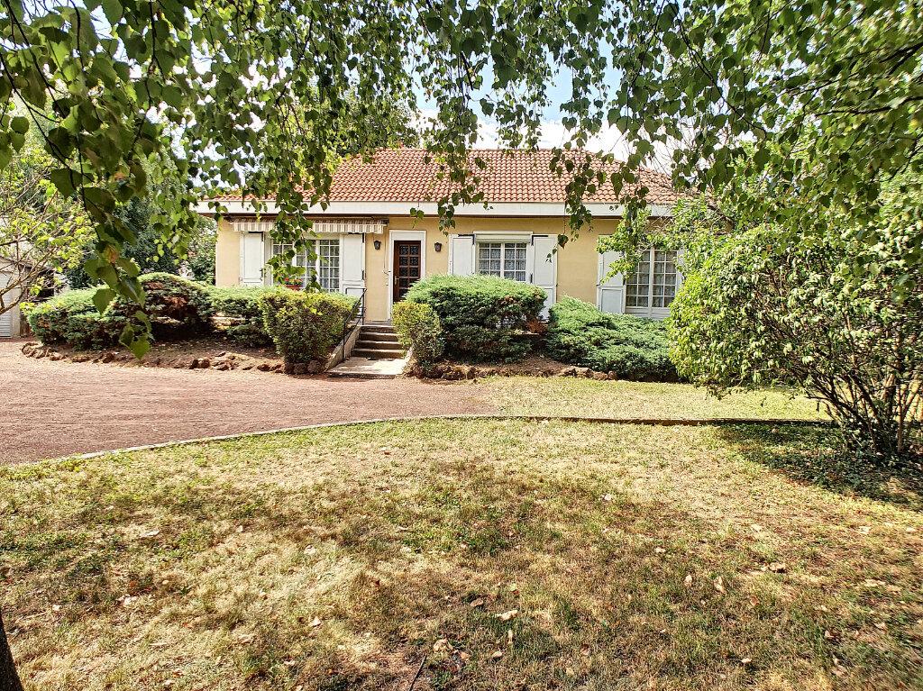 Maison à vendre 5 115.93m2 à Marsat vignette-1