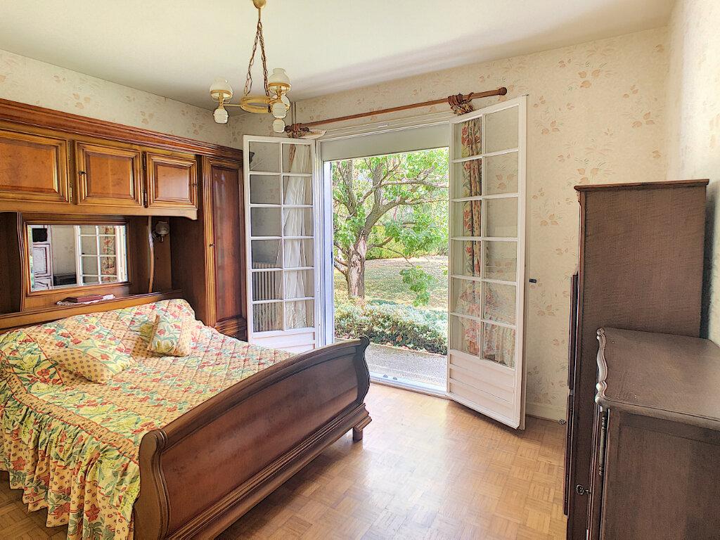 Maison à vendre 5 115.93m2 à Marsat vignette-4