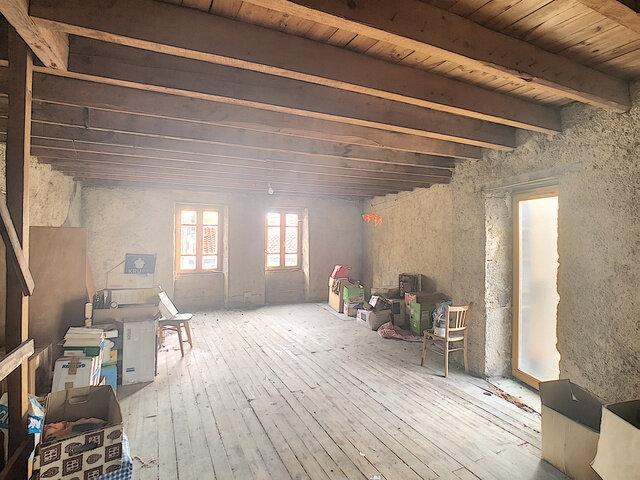 Maison à vendre 4 125m2 à Volvic vignette-1