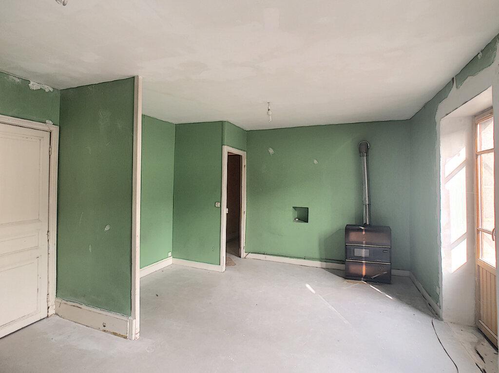 Maison à vendre 4 125m2 à Volvic vignette-3
