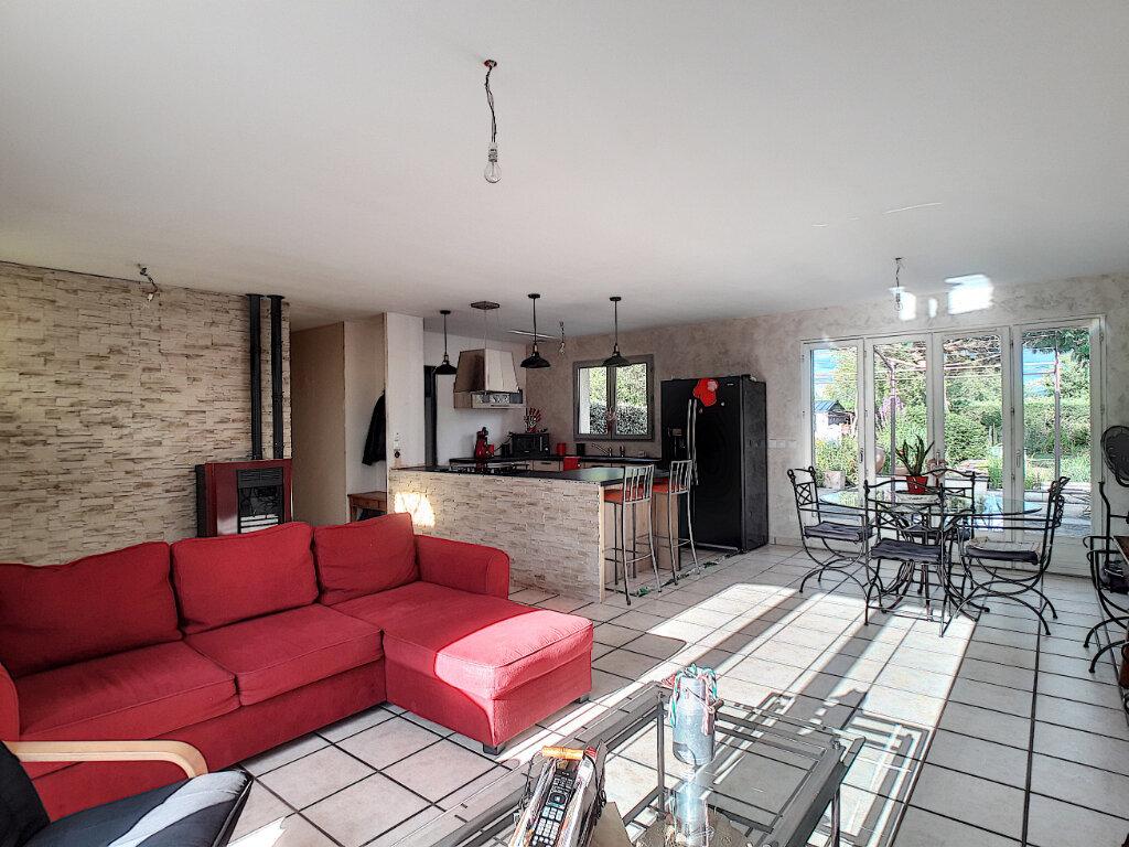 Maison à vendre 6 108m2 à Luzillat vignette-3