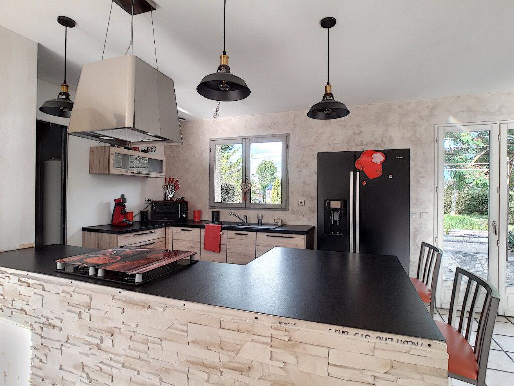 Maison à vendre 6 108m2 à Luzillat vignette-4
