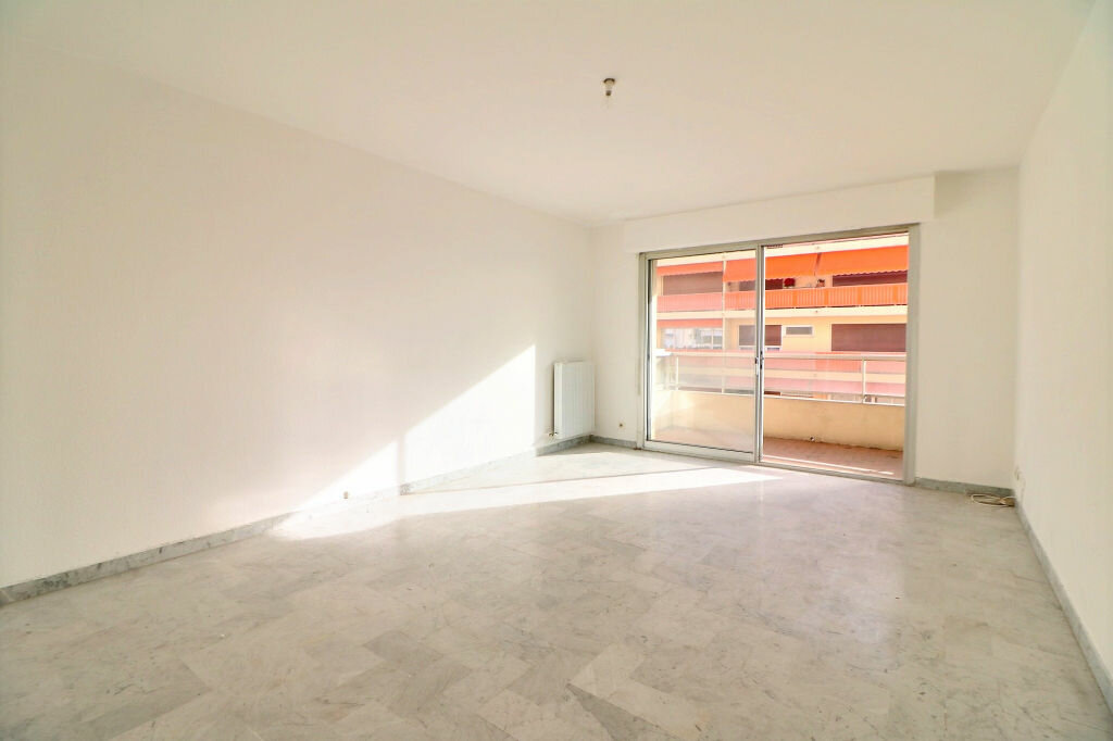 Appartement à vendre 3 69.7m2 à Roquebrune-Cap-Martin vignette-2