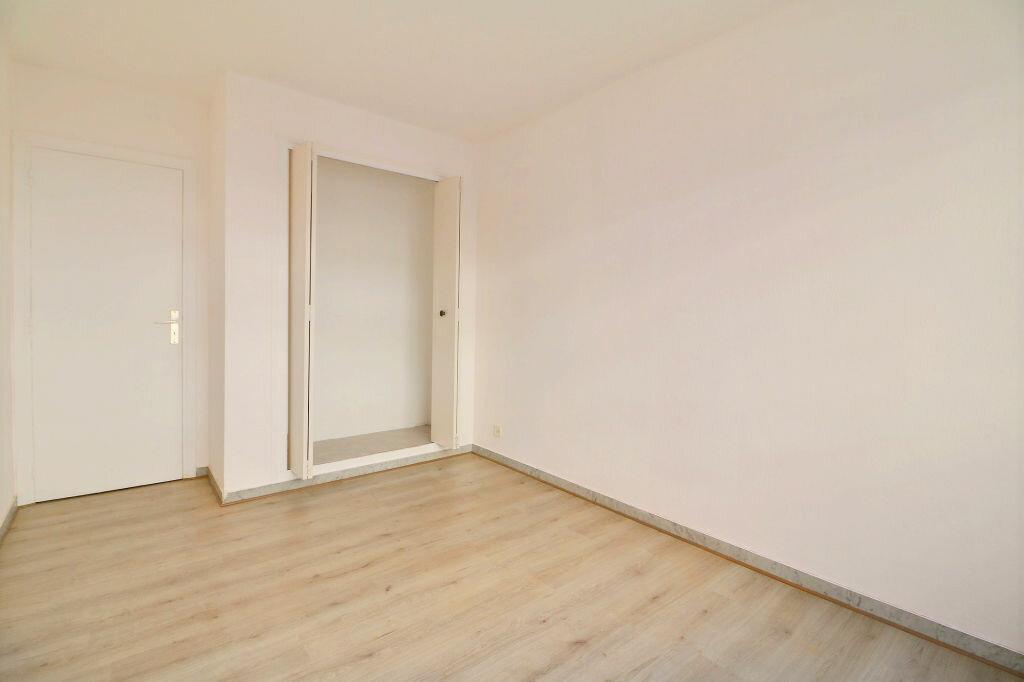 Appartement à vendre 3 69.7m2 à Roquebrune-Cap-Martin vignette-8