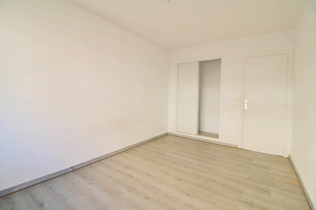 Appartement à vendre 3 69.7m2 à Roquebrune-Cap-Martin vignette-9