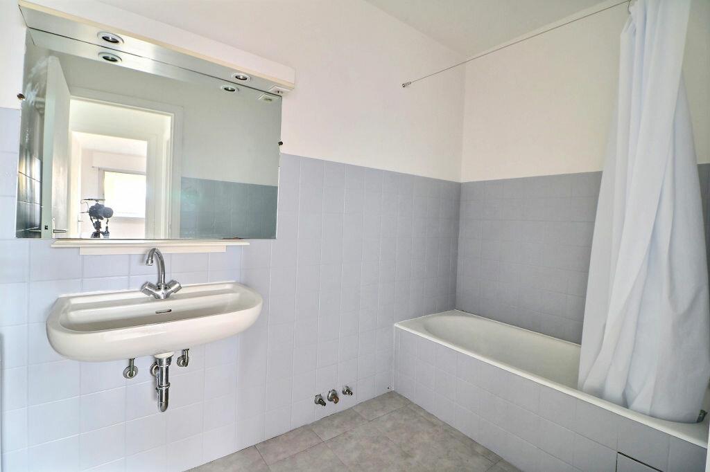Appartement à vendre 3 69.7m2 à Roquebrune-Cap-Martin vignette-10